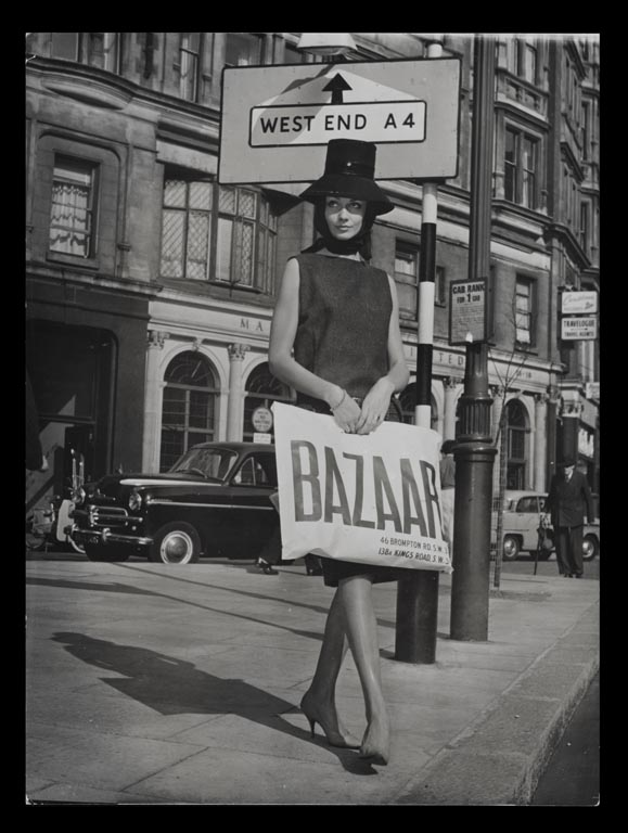 Model holding a Bazaar bag c.1959 © Mary Quant Archive