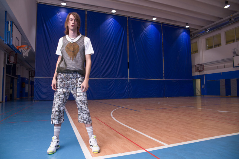 DANCING IN THE EYE OF THE HURRICANE ph. Lorenzo Marcucci for Collectible DRY Armand wears net tank top Les Hommes, printed t-shirt Coach, printed cotton pants with belt, Kenzo, necklace stylist's own.