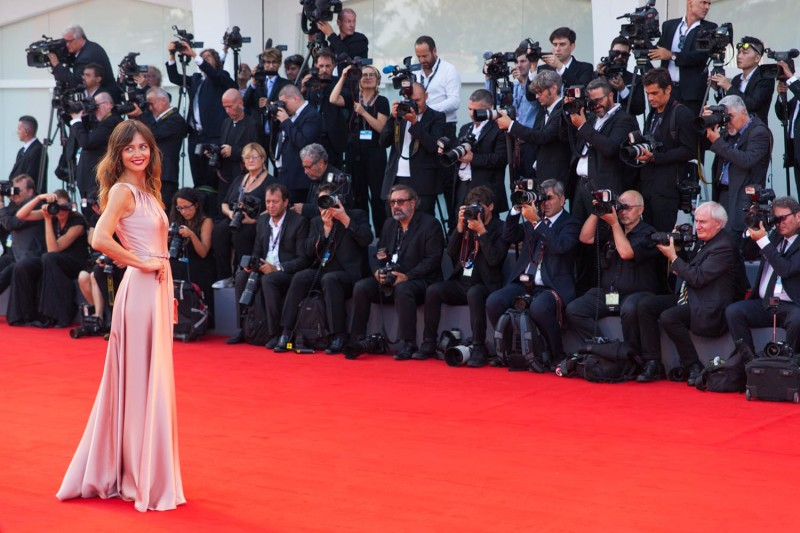 Francesca Cavallin, in MAX MARA, bag Salvatore Ferragamo. © daniela katia lefosse photography,. mostra del cinema di venezia 2017 red carpet