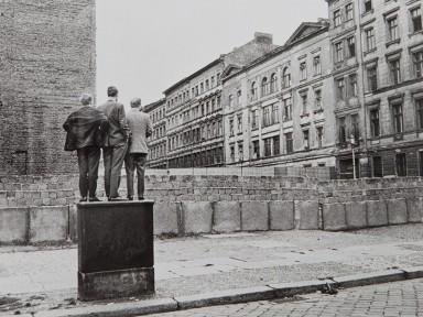 Henri Cartier-Bresson. The Berlin Wall. 1962.