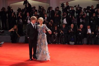 Robert Redford, Jane Fonda in Marchesa, © daniela katia lefosse photography. mostra del cinema di venezia 2017 red carpet day3