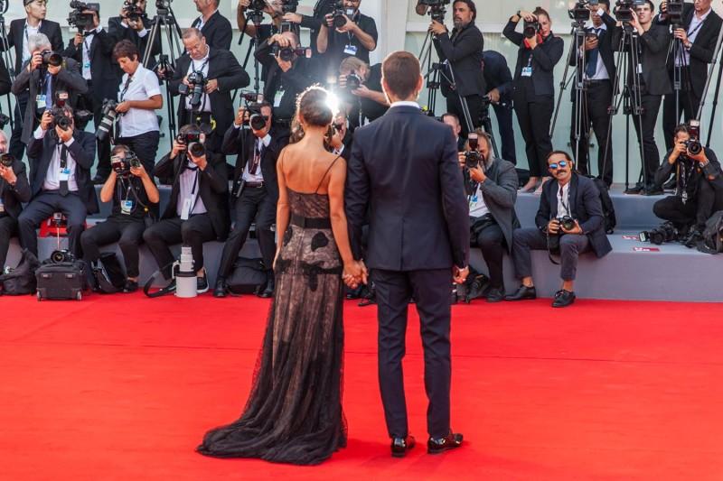 Roberta Pitrone, Alessandro Borghi, in Gucci, © daniela katia lefosse photographyy. mostra del cinema di venezia 2017 red carpet