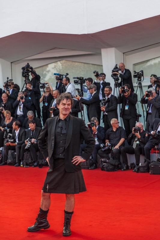 Mark Cousin in KILT, © daniela katia lefosse photography. mostra del cinema di venezia 2017 red carpet