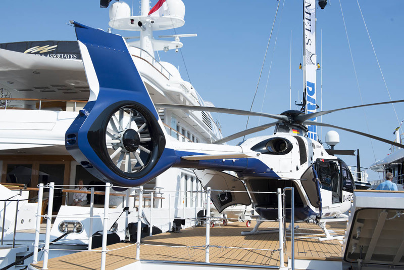Vessel New Frontiers with Helicopter, MYS '17. Collectible DRY. Ph. Anna Casarin