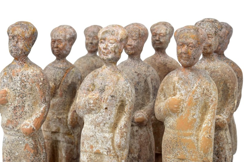 Bouke de Vries, Terra cotta red army, 2017, Chinese Han dynasty figures and mixed media