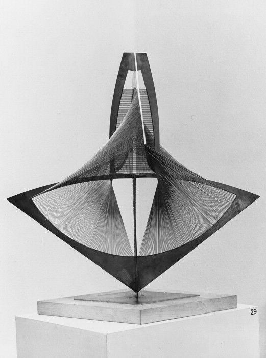 Naum Gabo_filament_3d sculpture