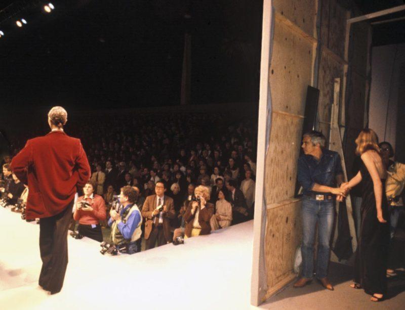 Ralph Lauren Backstage,1983 ©Harry Benson : Courtesy Staley-Wise Gallery, New York