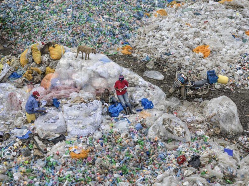 Anthropocene_Photo by Edward Burtynsky_Dandora Landfill #3, Plastics Recycling, Nairobi, Kenya 2016_Courtesy Admira Photography, Milan / Nicholas Metivier Gallery, Toronto