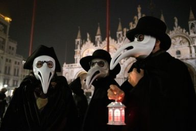 Epidemic Traditions_Venetian Carnival - ordinary people celebrating the Carnival, dressed like Medicians