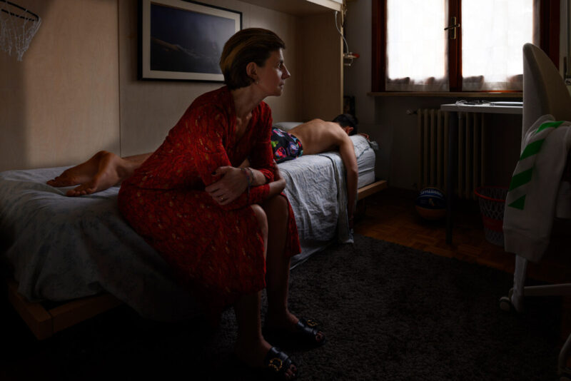 Home and the Unknown_Arturo Delle Donne_fashion story_editorial_Hopper_Hitchcock_inspirations