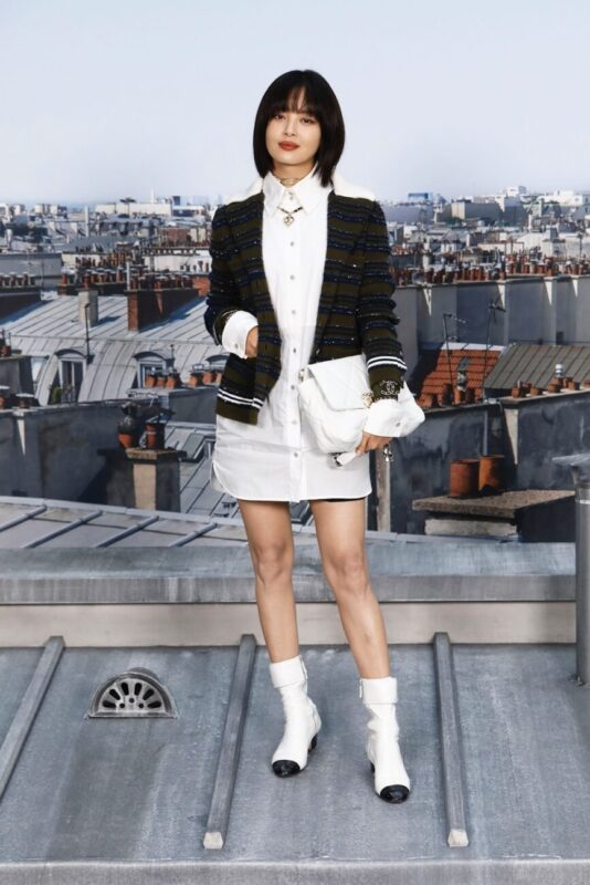 So Cool Mademoiselle_Chanel 19 bag_Karl Lagerfeld and Virginie Viard_XIN Zhi Lei_Spring Summer 2020_Ready_to_wear_Collection