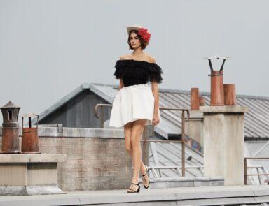 So Cool Mademoiselle_Chanel Spring Summer 2020_SS20_Virginie Viard_Grand Palais_new era