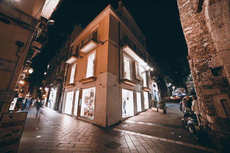 A New Holiday Fashion Chapter_Cortina, Riccione, Taormina_shops_2020_Parisi_boutique_Taormina