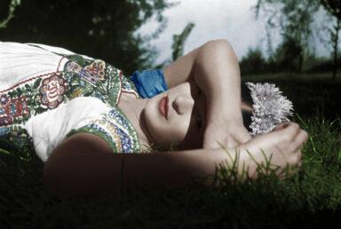 The Chaos Inside_Frida Kahlo_exhibition_Fabbrica del Vapore_Milan_Leo Matiz, Frida laying on the grass. Courtesy of Fondazione Leo Matiz