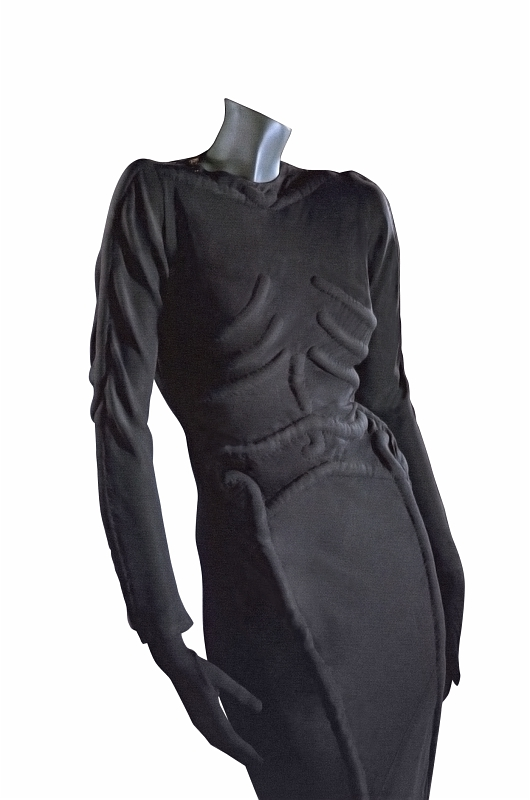 Roseberry-a-massimalist-for-Schiaparelli-Skeleton-dress-FOR-THE-COPYRIGHT-SEE-THE-WORD-DOC
